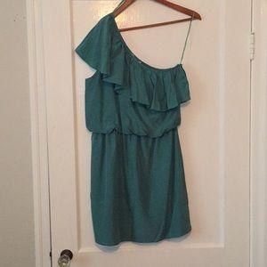 One shoulder green dress